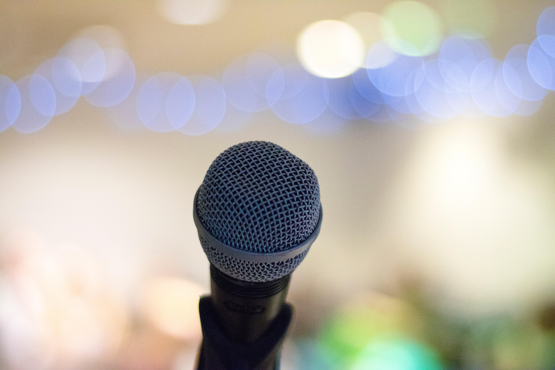 Todo lo que tienes que saber sobre la diferencia entre micrófono de condensador y dinámico